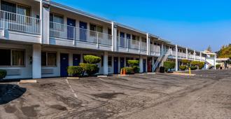 Motel 6 Concord Ca - Concord - Edificio