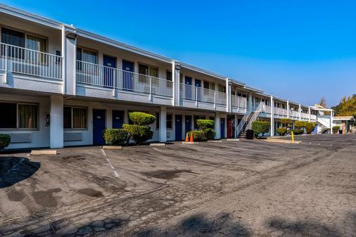 Motel 6 Concord, CA - Concord - Building