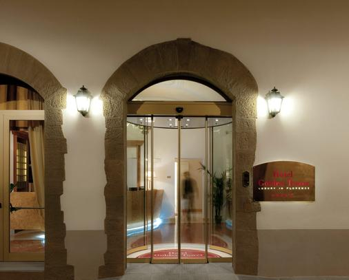 Golden Tower Hotel & Spa - Florence - Building