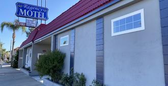 Regency Motel Of Brea - Brea - Building