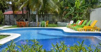 Amigos Hostel Cozumel - קוזומל