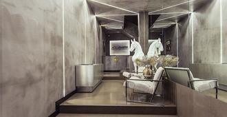 Andromeda Downtown Suites - Atenas
