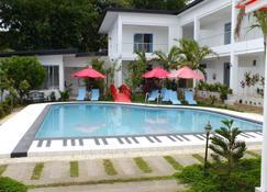 Paboreal Boutique Hotel - Puerto Princesa - Pool