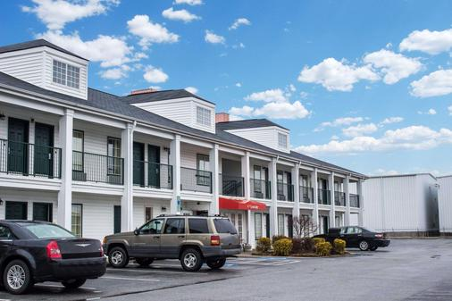 Econo Lodge - Greenville - Toà nhà