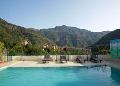 Comfort Hotel Dewa Retreat - Rishikesh - Zwembad