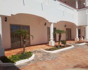 Best Western Laos Mar Hotel & Suites - Puerto Penasco - Building