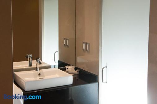 Mbm Red Sun Hotel - Monterrey - Bathroom