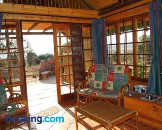 Stone Hill - Magaliesburg - Living room