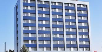 Alessandria - Hradec Králové - Edificio
