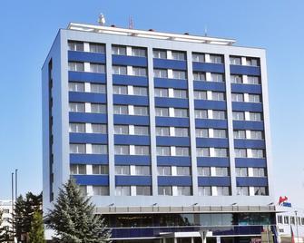 Alessandria - Hradec Králové - Building
