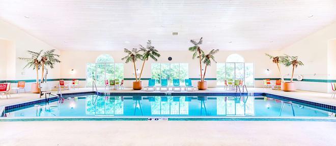 Country Inn & Suites by Radisson, Appleton, WI - Appleton - Pool