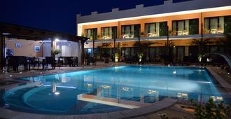 Hotel Cuor Di Puglia - Alberobello - Pool