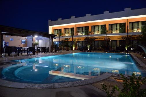 Cuor DI Puglia - Alberobello - Bể bơi