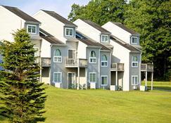 Pocono Mountain Villas - East Stroudsburg - Будівля