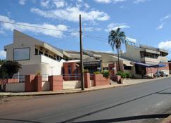 Hotel Varandas Araraquara - Araraquara - Building