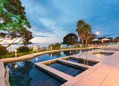 Paihia Beach Resort & Spa Hotel - Paihia - Svømmebasseng