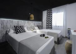 Aparthotel Playasol Mogambo - Ibiza-Stadt - Schlafzimmer