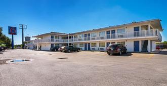 Motel 6 Corpus Christi Northwest - Corpus Christi - Gebäude