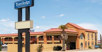 Travelodge by Wyndham Kingman - Kingman - Building