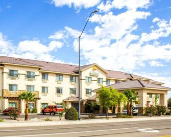 Comfort Inn and Suites Yuma I-8 - Юма - Building