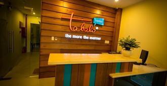 Tabalo Hostel - Nha Trang - Front desk