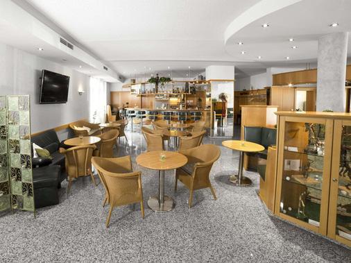 Fairway Hotel - Sankt Leon Rot - Bar