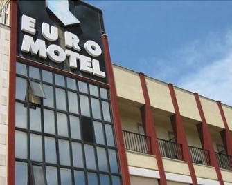 Hotel Ristorante Euromotel Bari - Bari - Rakennus