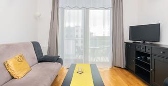 Apartment Jabloniowa Gdansk by Renters - Gdansk - Living room