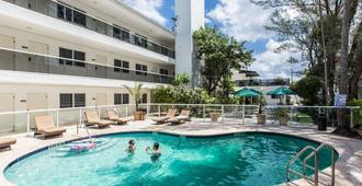 Premiere Hotel - Fort Lauderdale - Piscine