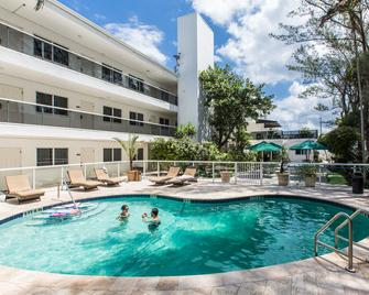 Premiere Hotel - Fort Lauderdale - Pileta