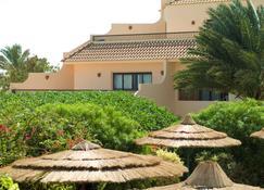 Flamenco Beach And Resort - Al Quşayr - Κτίριο