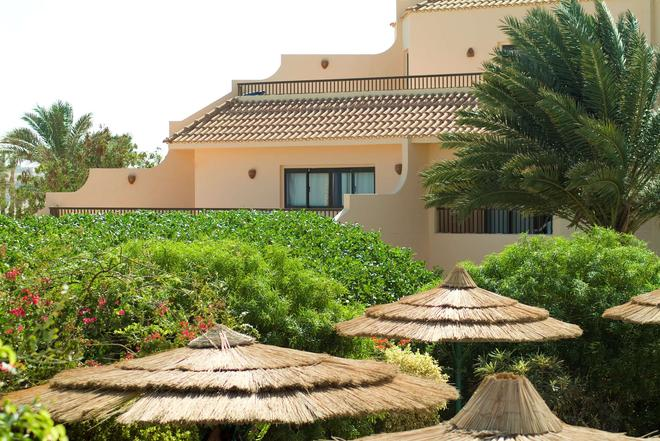 Flamenco Beach And Resort - Al Quşayr - Building