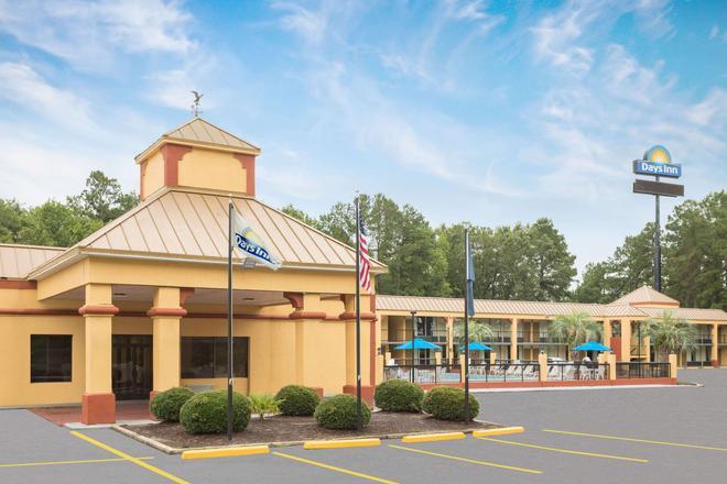 Days Inn by Wyndham Orangeburg South - Orangeburg - Building