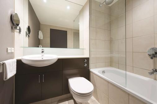 Adina Apartment Hotel Copenhagen - Copenhagen - Bathroom