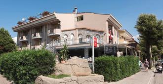 Club Dante Marmaris - מרמריס - בניין