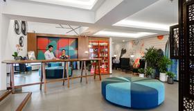 Isla Verde Hotel - San José - Front desk