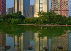 Radisson Blu Hotel Liuzhou - Liuzhou - Outdoor view