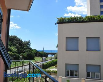 Hotel Residence Paradiso - Moneglia - Building