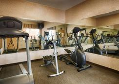 SureStay Hotel by Best Western Mission - Mission - Gym