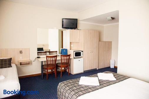 Tudor Inn Motel - Newcastle - Bedroom