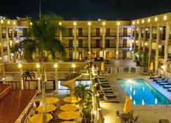 Windward Passage Hotel - Saint Thomas Island - Uima-allas