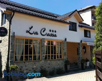 Pensiune Restaurant La Cassa - Săcel - Building