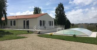 Chambres D'hotes Les Sables - Saint-Fort-sur-Gironde - Edificio