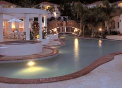 皇家森林度假酒店 - Ashmore - 阿什莫爾 - 游泳池