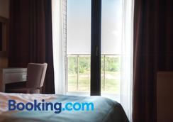 波羅的海廣場梅迪Spa酒店 - 科沃布熱格 - 臥室