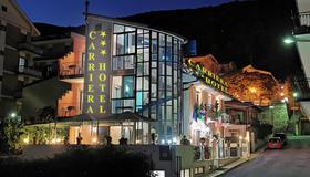Carriera Hotel - San Giovanni Rotondo - Edificio