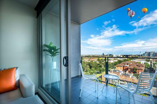 Tribeca Serviced Apartments - Melbourne - Balcony