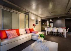 Tribeca Serviced Apartments Melbourne - Melbourne - Piscina