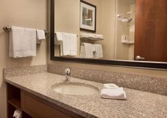 Drury Inn & Suites Denver Stapleton - Denver - Phòng tắm
