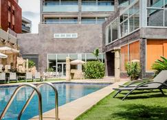 Exe Cunit Suites & Spa - Cunit - Pool